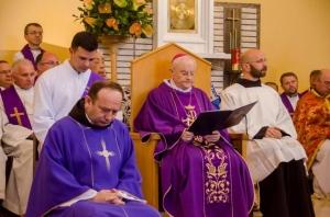 Фото з Святої Літургії, яку очолював Архієпископ Генрик ГОСЕР