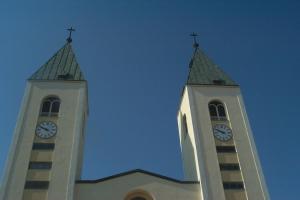 Розклад літньої молитовної програми у Меджуґор'є